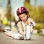 Dziewczynka na rolkach — Zdjęcie stockowe