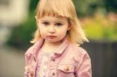 Beautiful girl in the street — Stock Photo