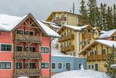Hotel on ski resort in austrian Alps — Stock Photo