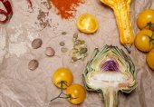 Vegetables and spices — Stock Photo