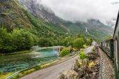 Train at famous Flam railway  in Norway — Stock Photo