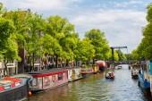 Barche e canali di Amsterdam — Foto Stock