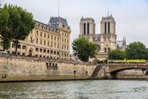 Seine and Notre Dame — Stock Photo
