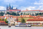 Enpanoramisch uitzicht van Praag — Stockfoto