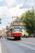 Прага красная деталь трамвая, Чешская Республика — Стоковое фото