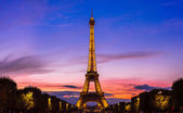 Eiffel Tower at sunset — Stock Photo