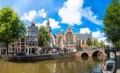 Oude Kerk in Amsterdam — Stock Photo