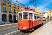 Historická tramvaj v Lisabonu — Stock fotografie