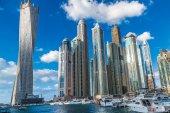 Paesaggio urbano di Dubai marina, Emirati Arabi Uniti — Foto Stock
