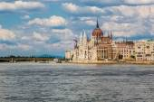 Parliament building in Budapest — Stock Photo