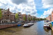 Amsterdam canals and boats in Holland — Stock Photo