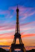 Eiffel Tower at sunset in Paris — Stock Photo