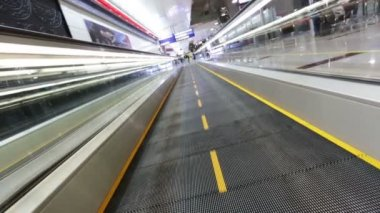 Airport moving sidewalk — Video Stock