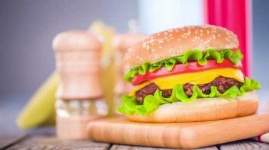Tasty hamburger cheeseburger — Stock Video