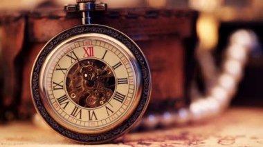 Orologio da tasca antico. — Video Stock