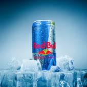 Lattina di bevanda energetica toro rosso. — Foto Stock