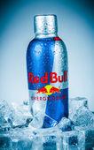 瓶红牛能量饮料. — 图库照片