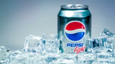 MOSCOW, RUSSIA-APRIL 4, 2014: Can of Pepsi cola on ice. Pepsi is a carbonated soft drink that is produced and manufactured by PepsiCo. Created and developed in 1893. — Stock Video