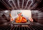 Cooking chicken in the oven. — Stock Photo