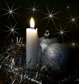 Candle and  Christmas tree decorations — Stock Photo