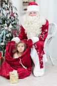 Girl sits in Saint Nicolas — Stock Photo