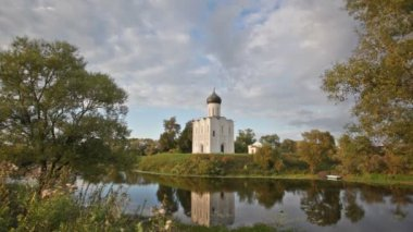 Church of Intercession upon Nerl River — Stock Video