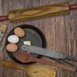 Постер, плакат: Vintage utensils set and skillet