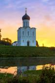 The Church of the Intercession of the Holy Virgin on the Nerl Ri — Stock Photo