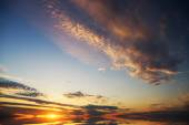 Puesta de sol sobre el mar — Foto de Stock