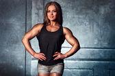 Fisiculturista mulher — Fotografia Stock