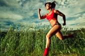 Woman runner — Stock Photo