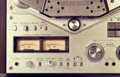 Analog Stereo Open Reel Tape Deck Recorder VU Meter Device Close — Stock Photo