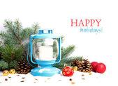Besneeuwde blauwe lantern en Kerstmis ballen op de achtergrond van Spar — Stockfoto
