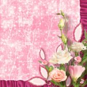 Bouquet of beautiful pink roses with the invitation or congratul — Stock Photo