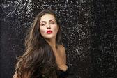 美丽的年轻有魅力的女人肖像 — 图库照片