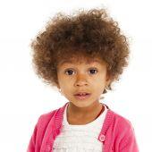 美しい幸せな少女の肖像画 — ストック写真