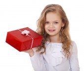 Happy little girl with gift box — Stock Photo