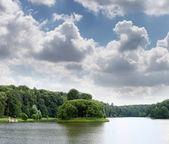 Lake at the urban park — Stock Photo