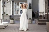 Voller länge portrait schöne modell frau mit langen beinen wea — Stockfoto