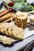 Ginger cookies and species — Stock Photo