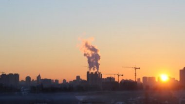 Sunrise over industrial Kyiv — Stock Video