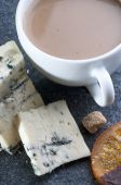 Blue cheese roquefort and cappuccino — Stock Photo