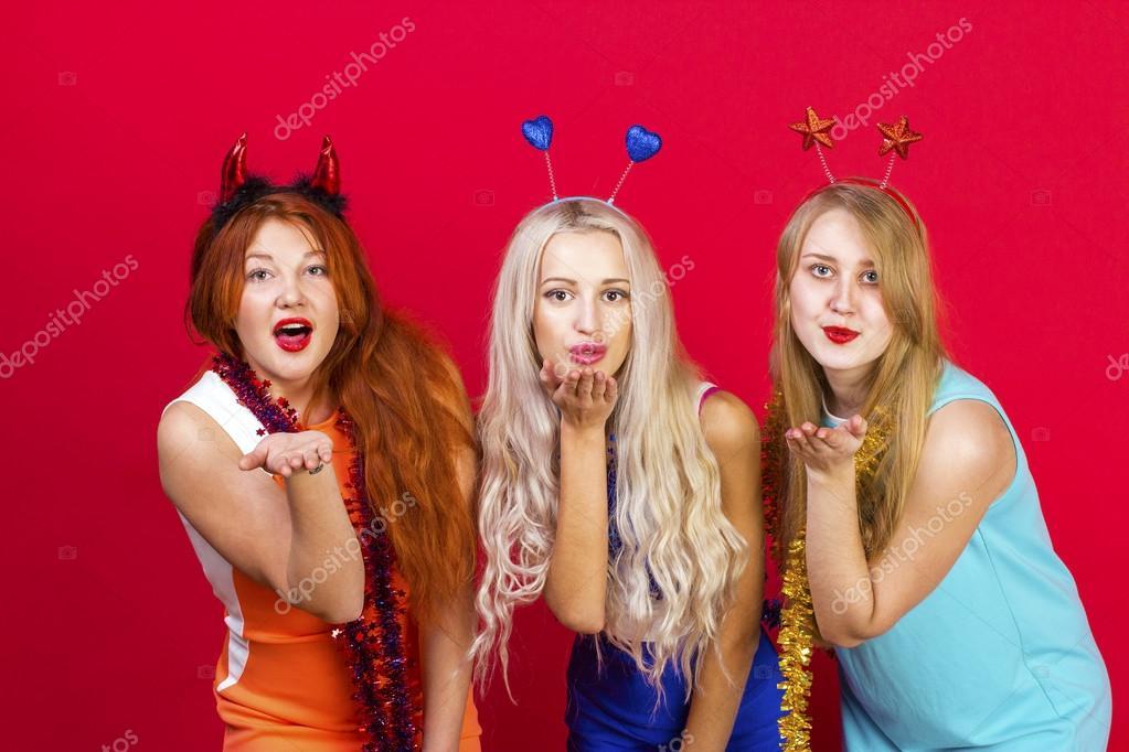 Девки веселятся на вечеринках фото 297-381