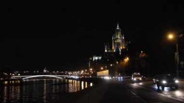 Night view to Bolshoy Ustinsky Bridge — Stock Video