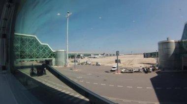 Emirates Boeing 777 at Dubai Airport. — Stock Video