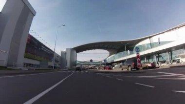 Driving thru Sheremetyevo airport. Terminal D — Stock video