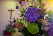 Wedding flowers in Church. Close up — Stock Photo