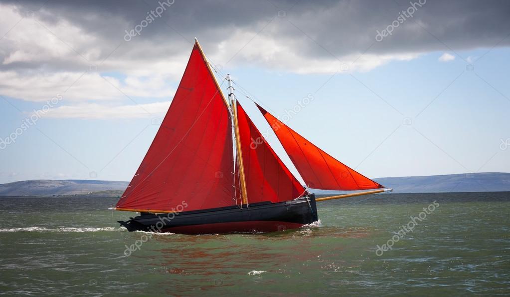 лодка с одним парусом купить