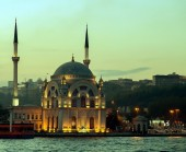 Ortakoy mosque Bosphorus, Istanbul, Turkey — Stock Photo