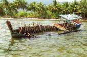 Fishing boat sinking — Stockfoto
